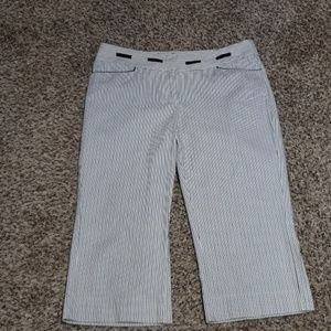 White House Black Market Cropped Pant - EUC